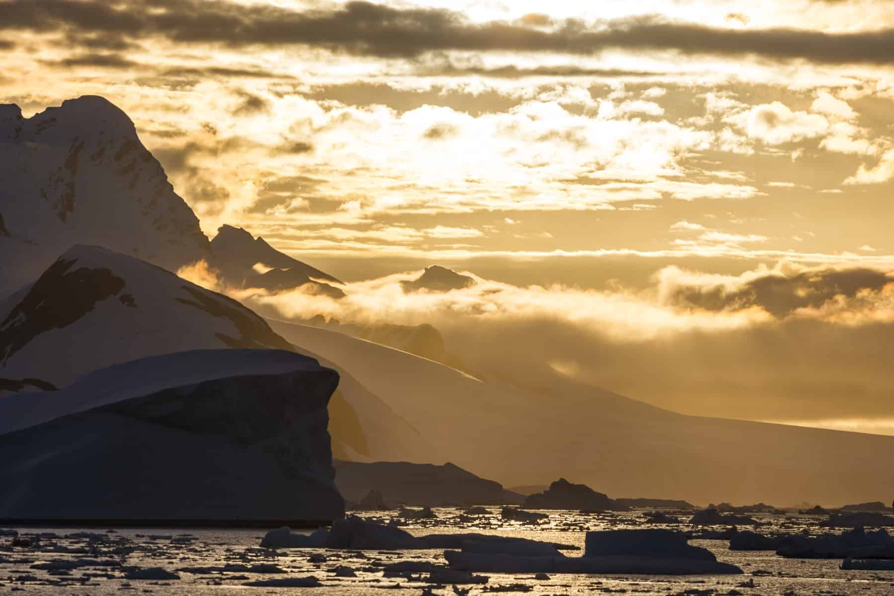 Amazing Antarctic Sunset